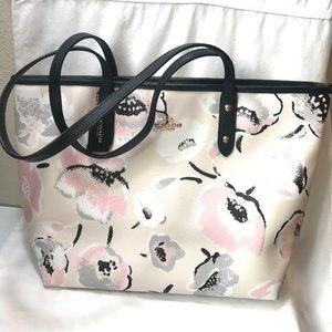 Coach City Zip Top Tote in Floral Wildflowers Pink